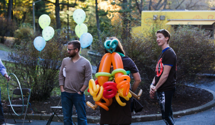 balloon sculpting at block party
