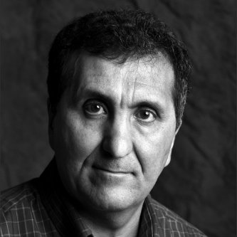 A headshot of Pete Souza