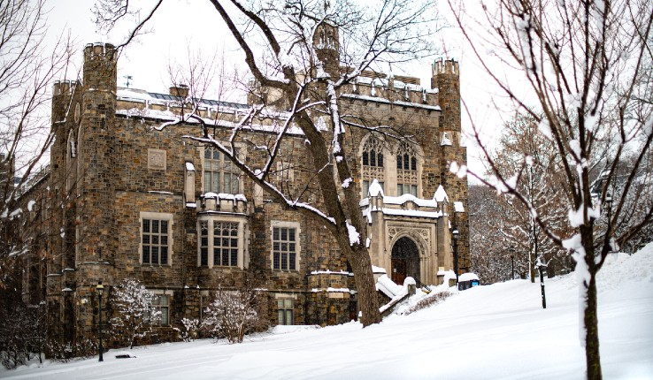 Linderman Library in the snow